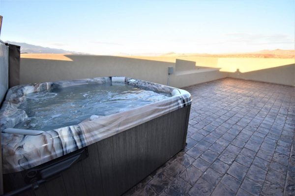 Sparrow Hot Tub
